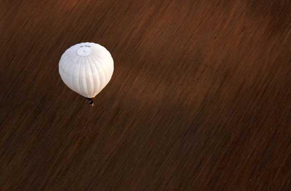 Let balónem pro čtyři