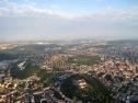 Let balónem - Brno, pohled od Špilberka k Brněnské přehradě